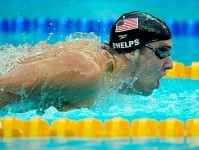 phelps-swimming-in-the-pool